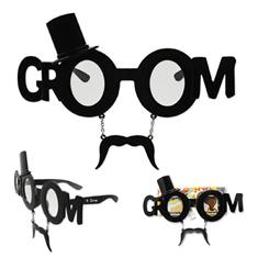 Groom Sun-Stache